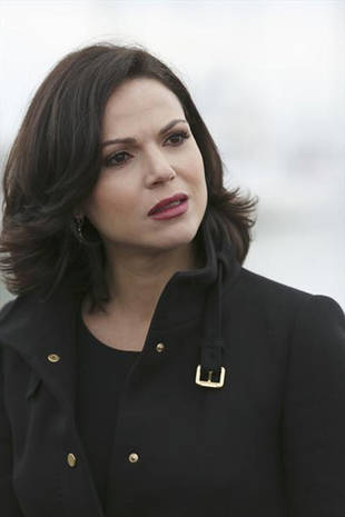Once Upon a Time Season 3 Spoiler: A Regina and Robin Hood Affair?