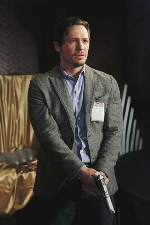 Revenge Season 3 Spoiler: Jack Porter Gives Emily Thorne a Major Ultimatum
