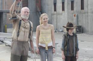 The Walking Dead Season 4: Beth Has a Crush on Daryl?
