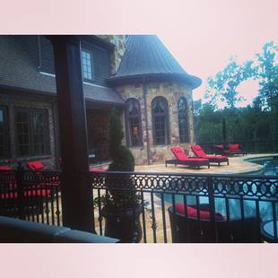 Kim Zolciak's Pool Patio — See Gorgeous Finished Deck Here (PHOTO)