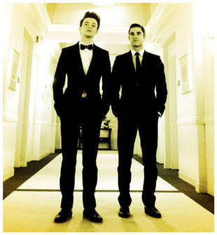 Glee Spoiler: Do Kurt and Blaine Get Engaged? Photographic Evidence