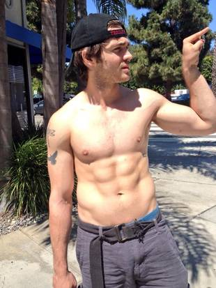 Steven R. McQueen's Girlfriend Tweets Picture of Him Shirtless