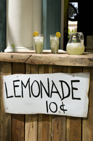 12-Year-Old Holds Up a Lemonade Stand With a BB Gun