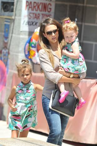 Jessica Alba's Daughters Wear Matching Dresses Out on the Town (PHOTO)