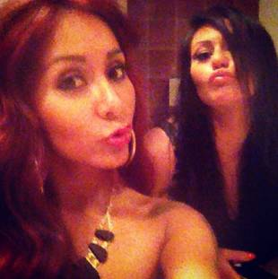Snooki and JWOWW Get Matchy in Bestie Selfie — Duck Face Alert! (PHOTO)