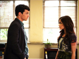 "3 Reasons Ezra Should Be ""A"" on Pretty Little Liars"