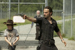 The Walking Dead Season 4 Spoiler: Will Rick Grimes Lose His Hand?