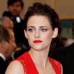 Lindsay Lohan Mocks Kristen Stewart's Emotionless Acting