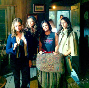 Pretty Little Liars Spoiler: Liars at the Lake House in Season 4, Episode 15! — Exclusive Photo