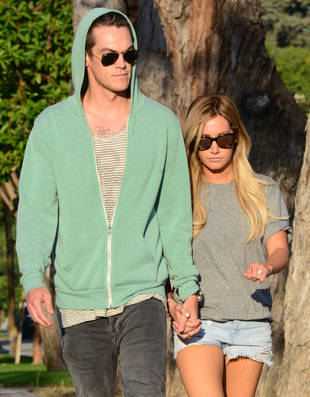 Ashley Tisdale Flaunts Huge Engagement Ring: See It Up Close! (PHOTO)