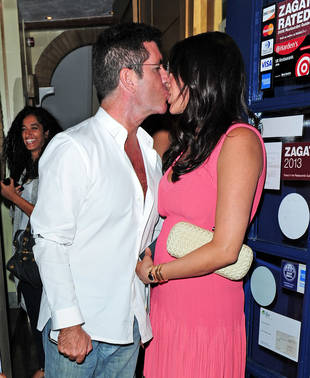 Simon Cowell and Pregnant Lauren Silverman Spotted Kissing in London: PDA Alert! (PHOTO)