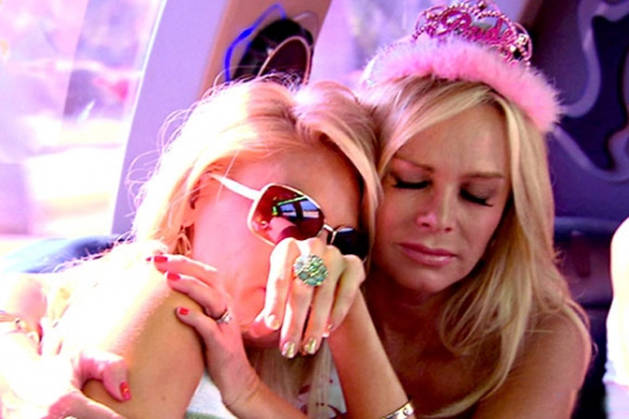 """Gretchen Rossi Retweets Diss of Tamra Barney: """"She Is So Stupid!"""""""