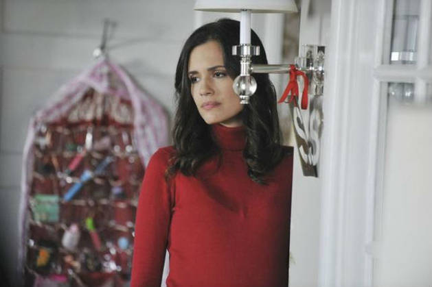 Pretty Little Liars Red Coat Reveal: 3 Reasons It's Melissa Hastings