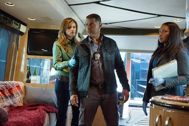 Castle Season 6 Spoiler: Problems Ahead For Lanie and Esposito?