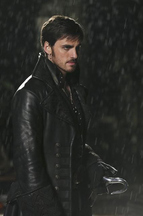 Once Upon a Time Season 2 Deleted Scene: Hook Flirts With … Ruby?! (VIDEO)