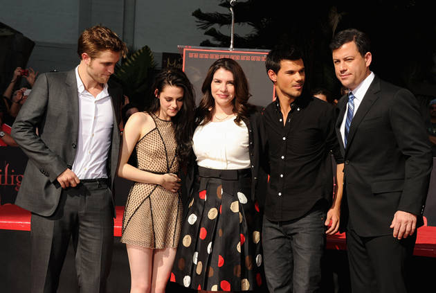 """Stephenie Meyer Is """"So Over"""" Twilight — Fans React to """"Rude"""" Comments"""