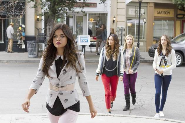 Pretty Little Liars Spoilers: 7 Clues About the Season 4 Summer Finale From the Photos