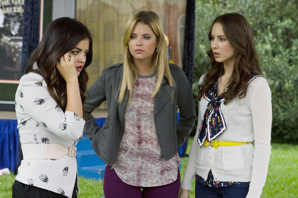 "Pretty Little Liars Logic Fails: Season 4 Summer Finale  — ""Now You See Me, Now You Don't"""