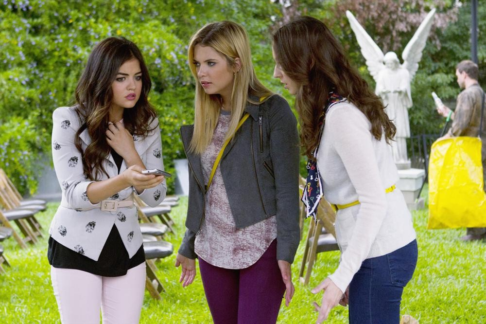 Pretty Little Liars Season 4 Summer Finale: Which Questions Will Be Answered?