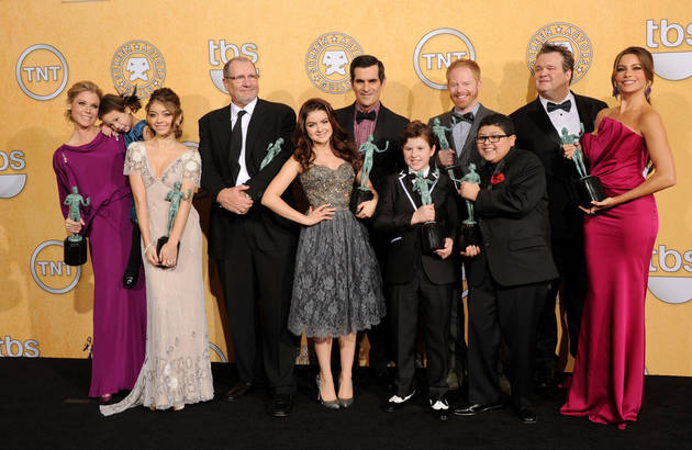 Which Modern Family Star Thinks Glee Does Better Job With Gay Storylines?