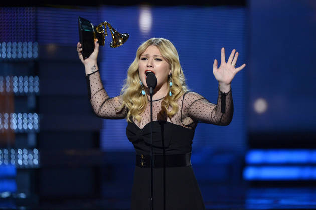 Kelly Clarkson Stopped From Taking Jane Austen's Ring Out of United Kingdom