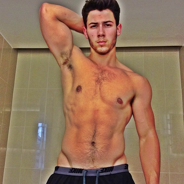 Nick Jonas Gets a Tattoo: See His Religious Ink! (PHOTO)