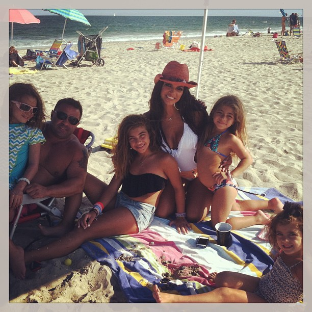 Teresa and Joe Giudice Continue Working, Try to Set Good Example for Daughters (VIDEO)