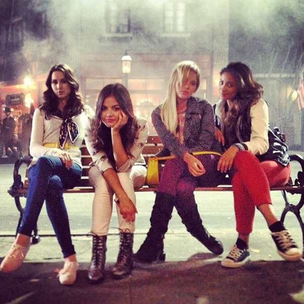 "Pretty Little Liars Season 4 Summer Finale Synopsis — ""Now You See Me, Now You Don't"""