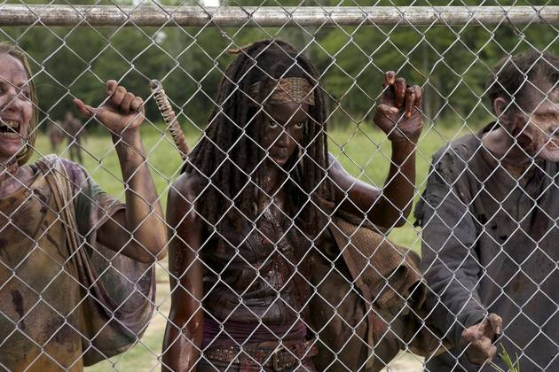 The Walking Dead Season 4 Sneak Peek Analysis: Michonne Vs. Walkers