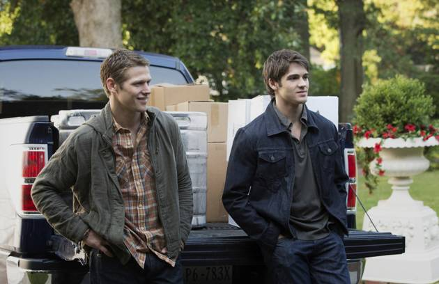 Vampire Diaries' Steven R. McQueen and Zach Roerig Clown Around at Dallas Convention (VIDEO)