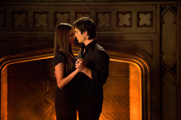 "Vampire Diaries Season 5: Damon and Elena's ""Ultimate Long-Distance Relationship"""