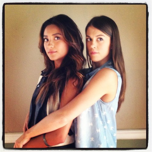 Pretty Little Liars' Shay Mitchell Talks Paily, Shockers, and Ravenswood Crossovers!