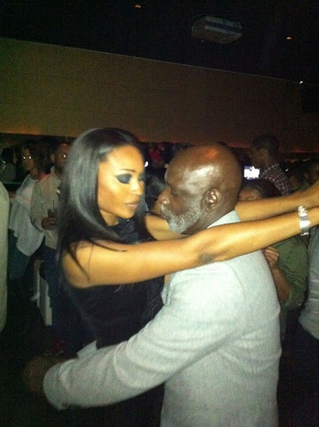 Cynthia Bailey and Peter Thomas Rock Karaoke Together