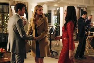 Revenge Season 3 Sneak Peek: Are Victoria Grayson and Emily Thorne Teaming Up? (VIDEO)