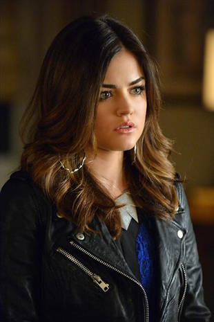 Pretty Little Liars Crazy Fan Theory: Aria Knows Ali Is Alive
