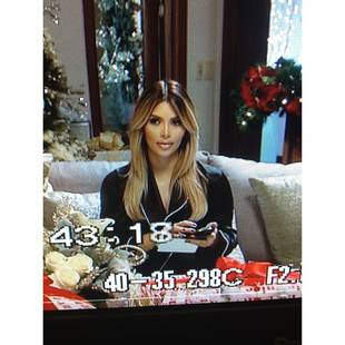 Kim Kardashian Films Keeping Up With the Kardashians Christmas Special — Sneak Peek! (PHOTO)