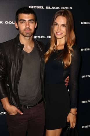 Joe Jonas and Blanda Eggenschwiler Go Apartment-Hunting, May Be Moving in Together