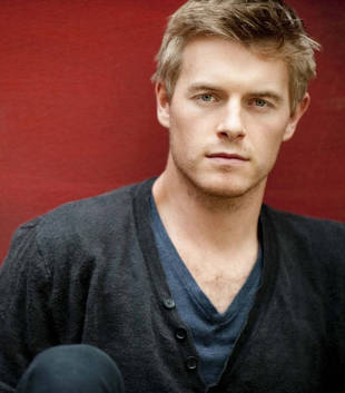 Vampire Diaries Season 5 Spoilers: Rick Cosnett on Professor Maxfield