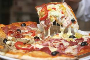 Small Town Pizzeria Offers Discount Slices in Exchange for Studying and Good Grades