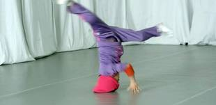 6-Year-Old Breakdancer Will Blow Your Mind With Her Skills (VIDEO)