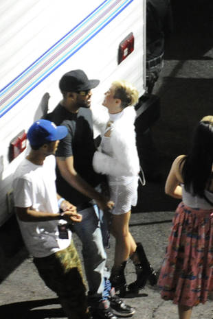 Miley Cyrus Spotted Canoodling With Rumored New Boyfriend Mike WiLL Made It (PHOTO)