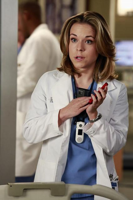 Grey's Anatomy Season 10 Premiere: 3 Reasons Intern Heather Will Die