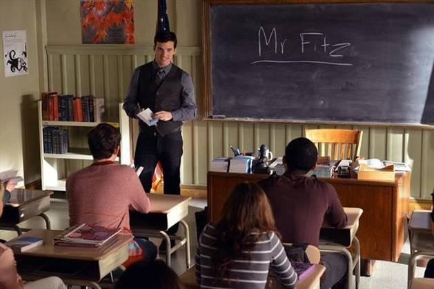 """Ezra Is """"A"""" on Pretty Little Liars: Crazy Fan Theories"""