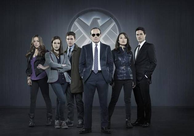 Marvel's Agents of S.H.I.E.L.D. Premiere Sneak Peeks! The Team Forms (VIDEOS)