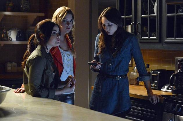 "Pretty Little Liars Season 4, Episode 19: Exec Says It ""Blew Me Away""!"