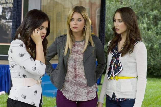 "Who Is ""A"" on Pretty Little Liars? 5 Reasons It Could Be Hanna!"