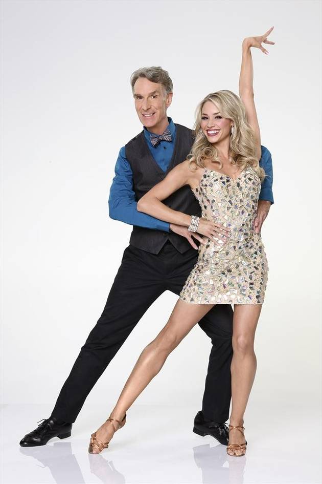 Dancing With the Stars 2013's Bill Nye Shows Off Seriously-Injured Knee (PHOTO)