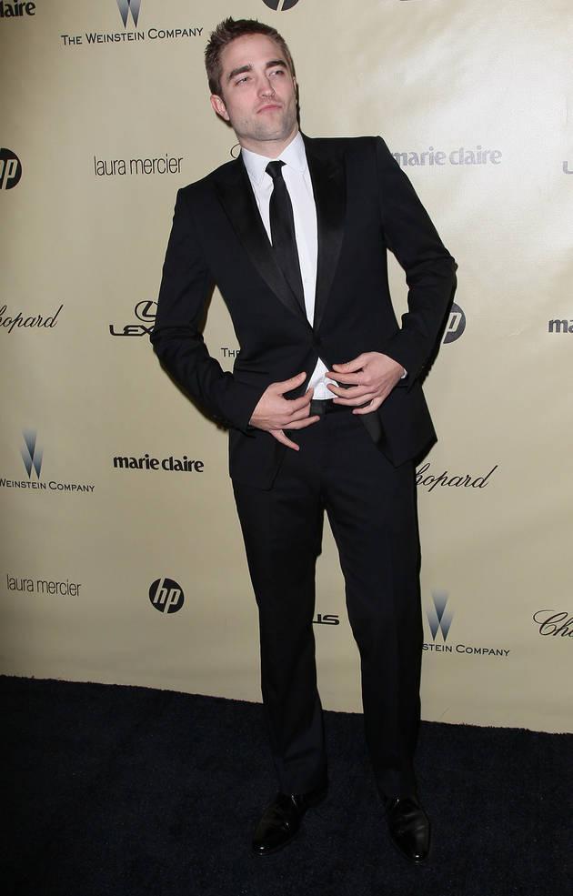"Robert Pattinson Suffers ""Body Dysmorphia"" on the Red Carpet?"