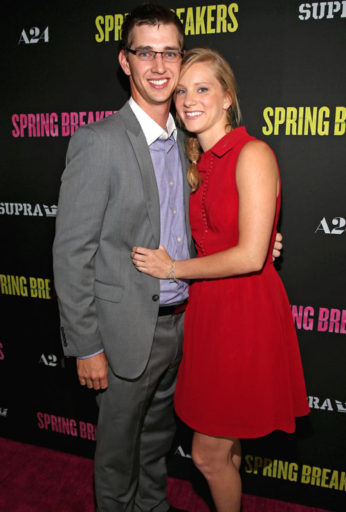 Pregnant Heather Morris: Out Shopping Just Days Before Due Date (PHOTO)