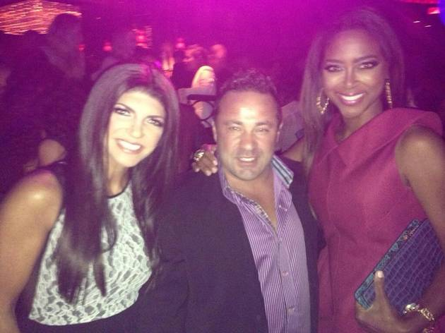 Kenya Moore Hangs Out With RHoNJ's Teresa and Joe Giudice (PHOTO)